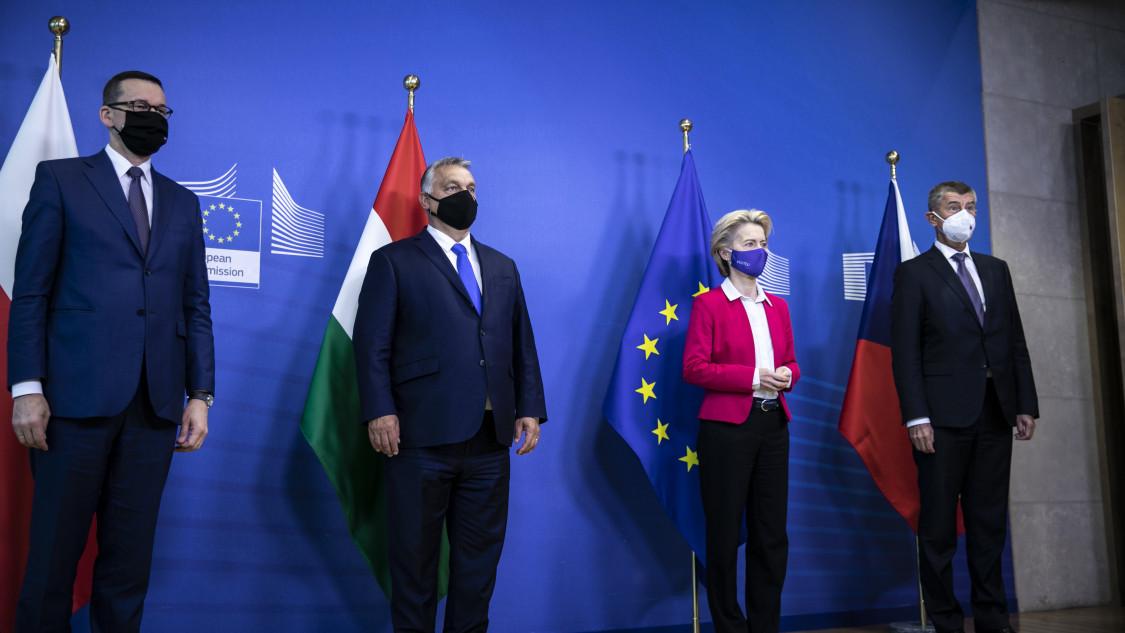 Miért nem fogja Brüsszel megszorongatni Orbánt?